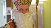 Der echte Nikolaus mit Mitra und Bischofsstab. Foto: Adveniat
